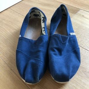 Navy TOMS Slip On